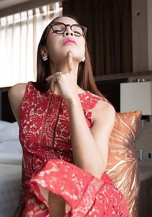 Glasses Ladyboy Pics