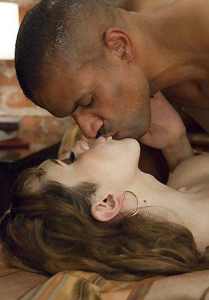Kissing Ladyboy Pics
