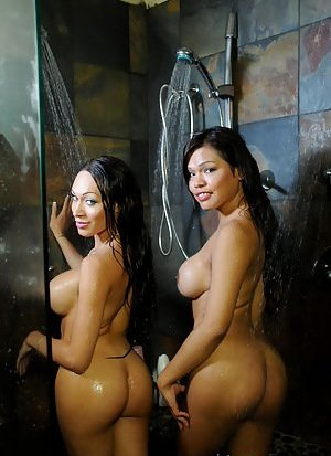 Ladyboy in Shower Pics